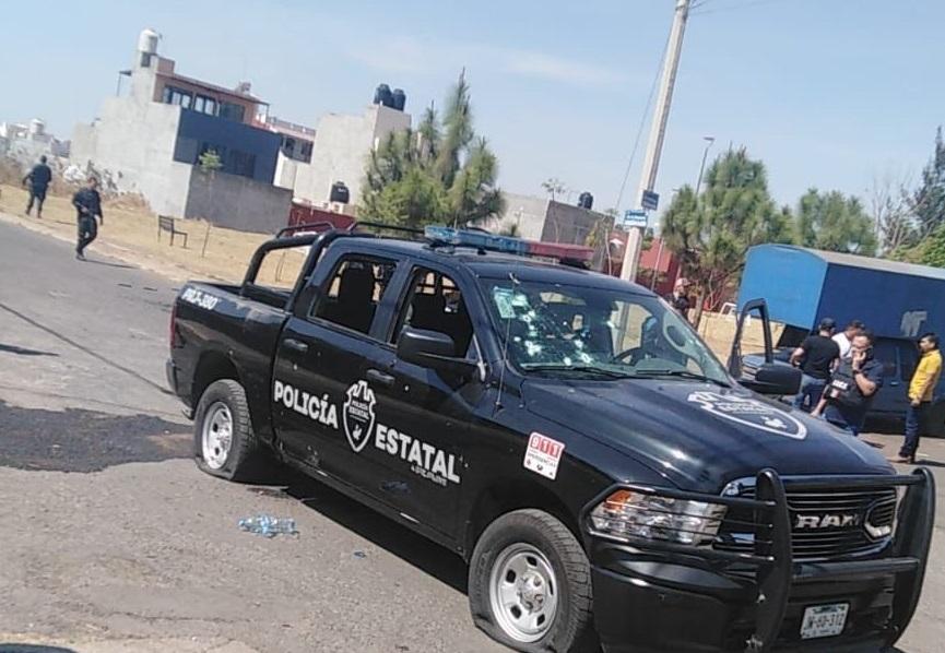 POLICÍA MUERTO Y DOS HERIDOS TRAS BALACERA EN JALISCO
