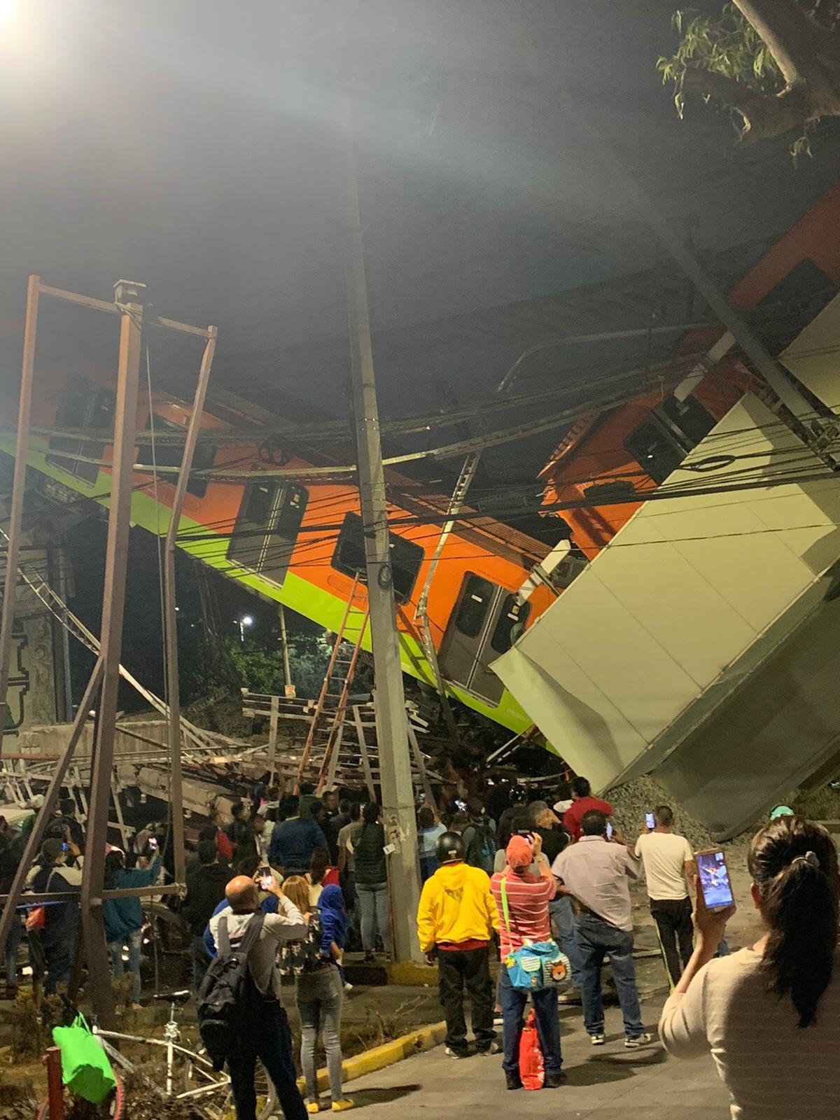 COLAPSA METRO DE LA CIUDAD DE MÉXICO