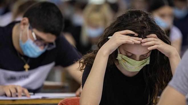 Jóvenes presentan examen Yucatán