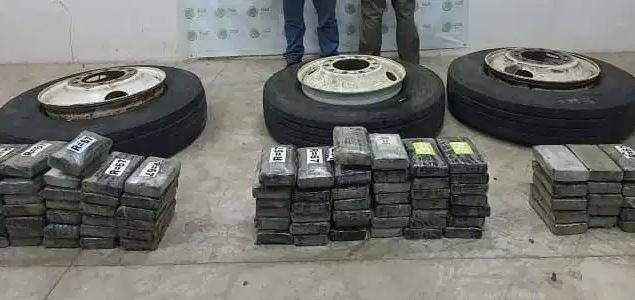 ASEGURAN 100 KILOS DE COCAÍNA OCULTOS EN LAS LLANTAS DE UN CAMIÓN EN CHIAPAS