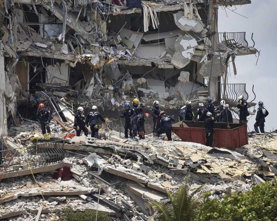 Especialistas mexicanos de rescate arriban a EU por motivos del derrumbe