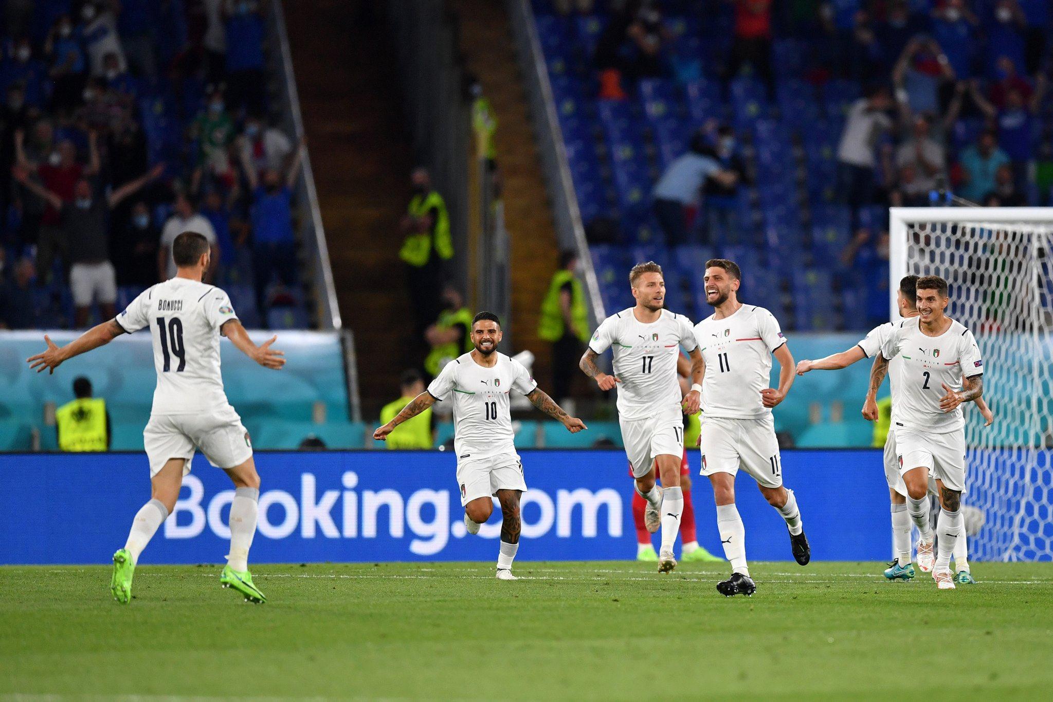 Italia golea a Turquía en la Eurocopa