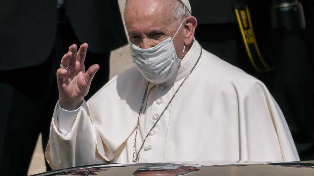 Papa Francisco internado en hospital