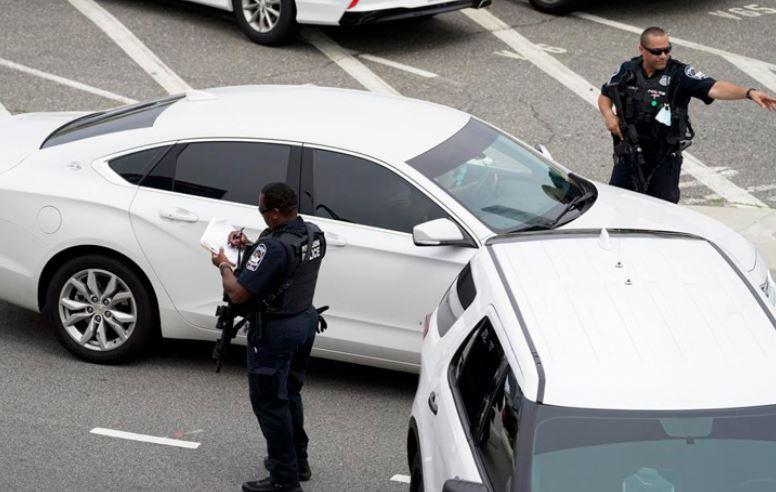 TIROTEO EN EL PENTÁGONO DEJÓ UN POLICÍA MUERTO Y VARIOS HERIDOS_SOL YUCATÁN